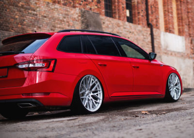 SKODA SUPERB SPORTLINE | JR28 20×8.5 & 20×10